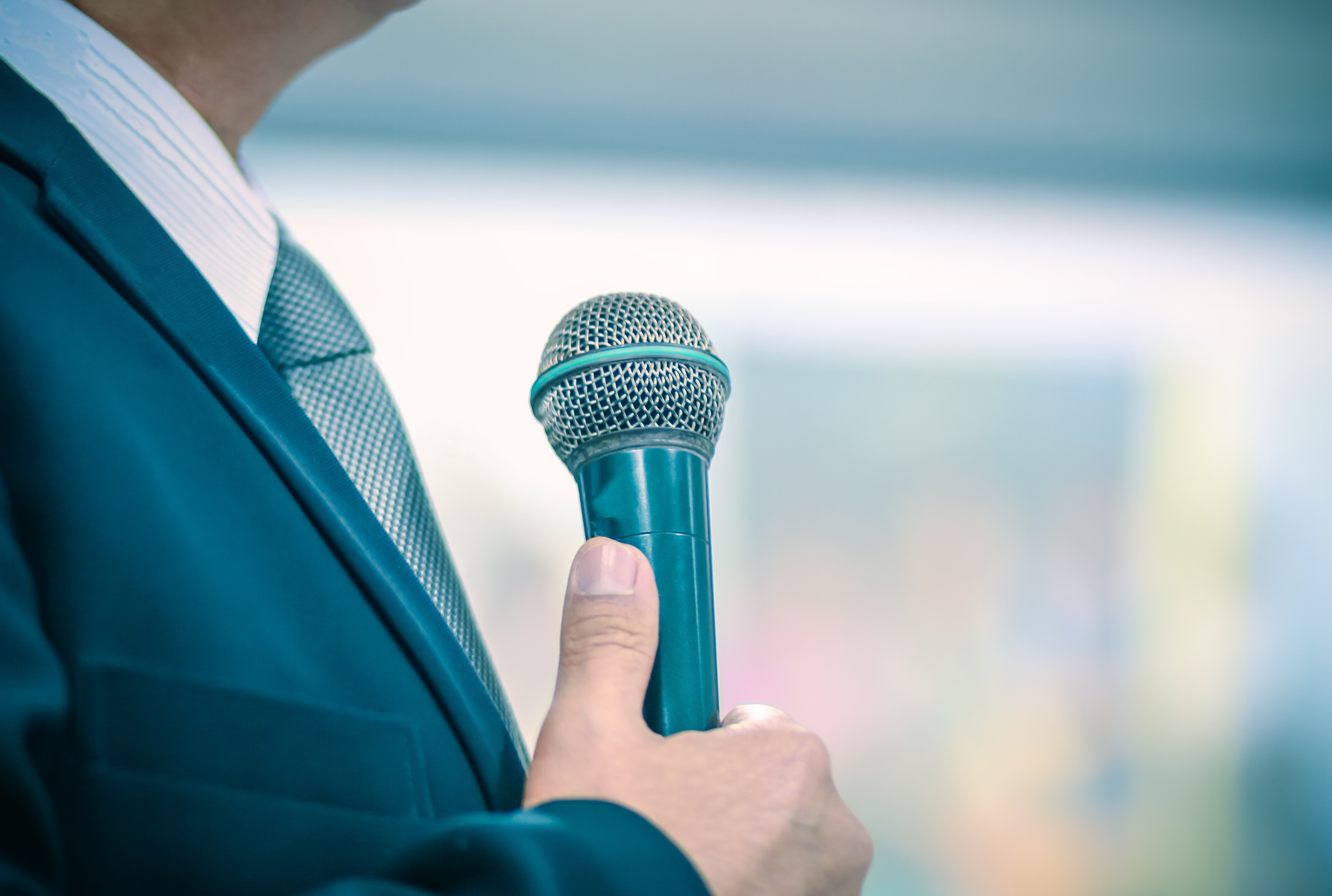 How Much Does it Cost to Book a Motivational Keynote Speaker